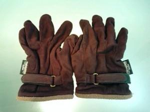 年期の入った手袋